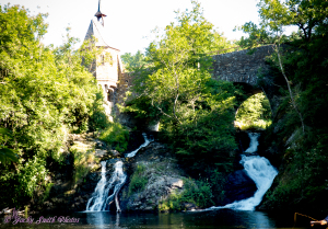 Elzbachfall nahe der Burg Pyrmont